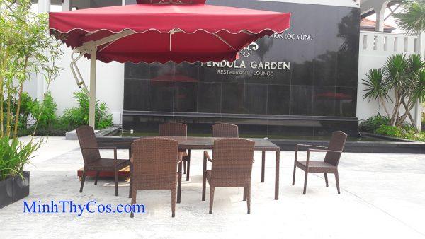ban ghe cafe may nhua cao cap nha hang Pendula Garden