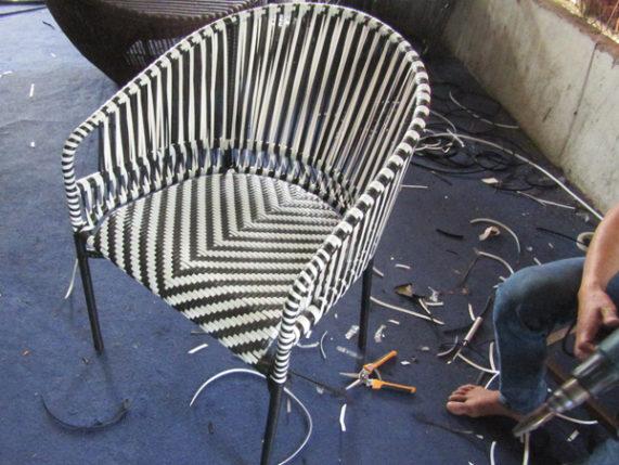 Đan mẫu ghế cafe sân vườn ngoài trời tại xưởng đan mẫu nội thất minh thy