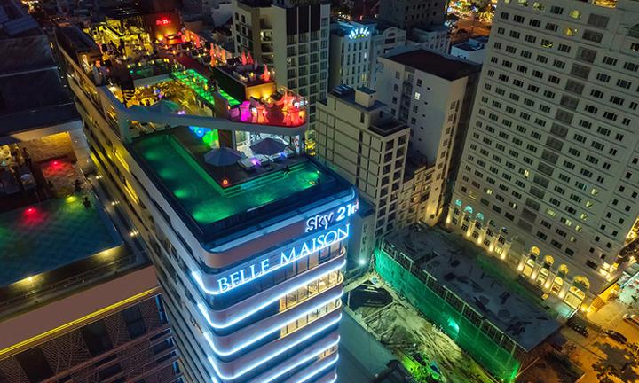 Belle Maison Parosand Đà Nẵng chọn Minh Thy Furniture cung cấp bàn ghế giả mây, sofa mây nhựa , ghế quầy bar