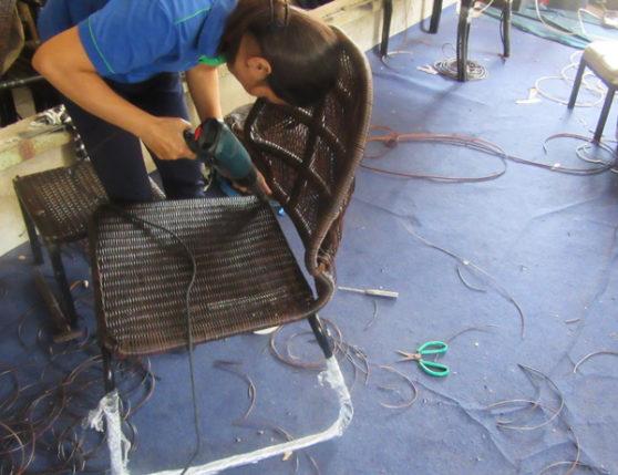Đan mẫu ghế giả mây khung inox sơn tĩnh điện đan sợi tròn giả mây kháng uv