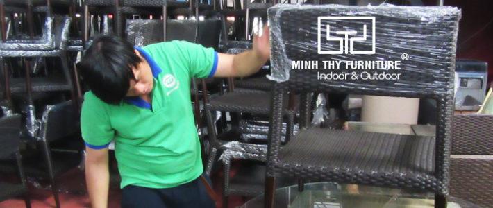 Cách đóng gói nội thất nhựa giả mây tại Minh Thy Furniture