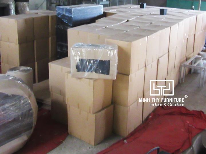 Cách đóng gói bàn ghế cafe nhựa giả mây bằng thùng carton