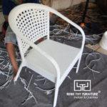 Cách Minh Thy Furniture làm ra những sản phẩm ghế cafe mây nhựa cao cấp