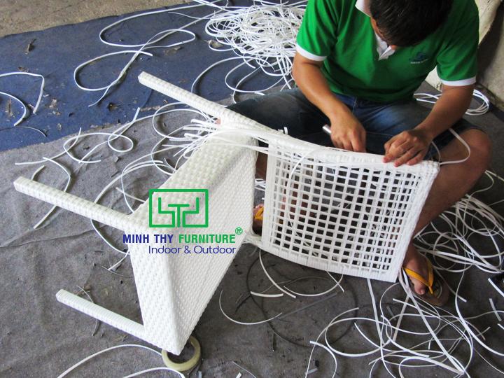 Sản phẩm ghế mây nhựa MT2A154 đã được đan như thế nào?