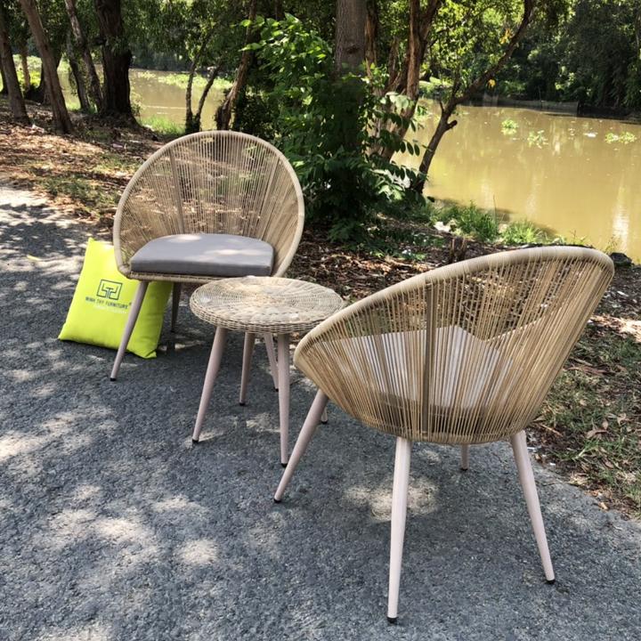 bàn ghế ban công chung cư đẹp ( một bàn 2 ghế )